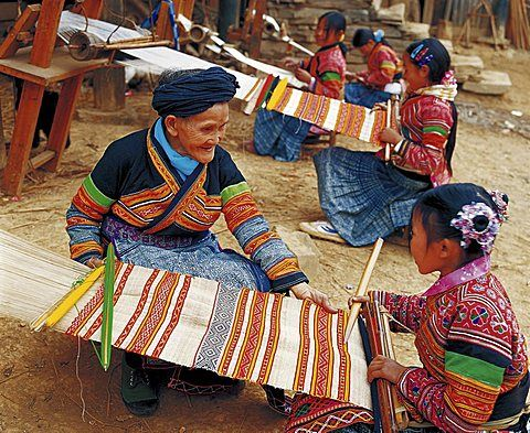 chinese-weaving-teacher